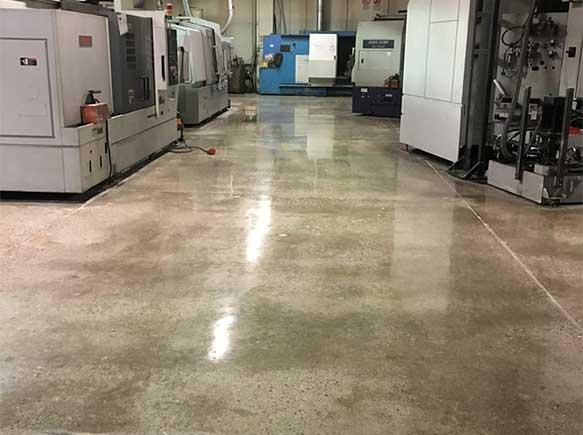 Pavimento Industriale In Cemento.Levigatura E Lucidatura Dei Pavimenti Industriali A